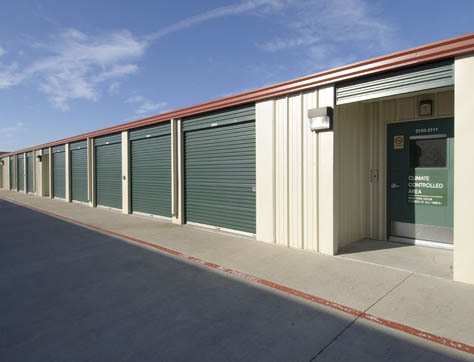Climate controlled storage units in Manor