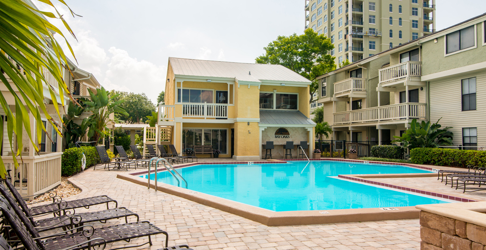 Swimming pool at Tampa apartments