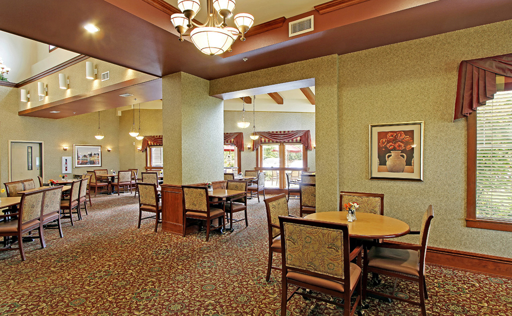 Formal dining at Kent senior living