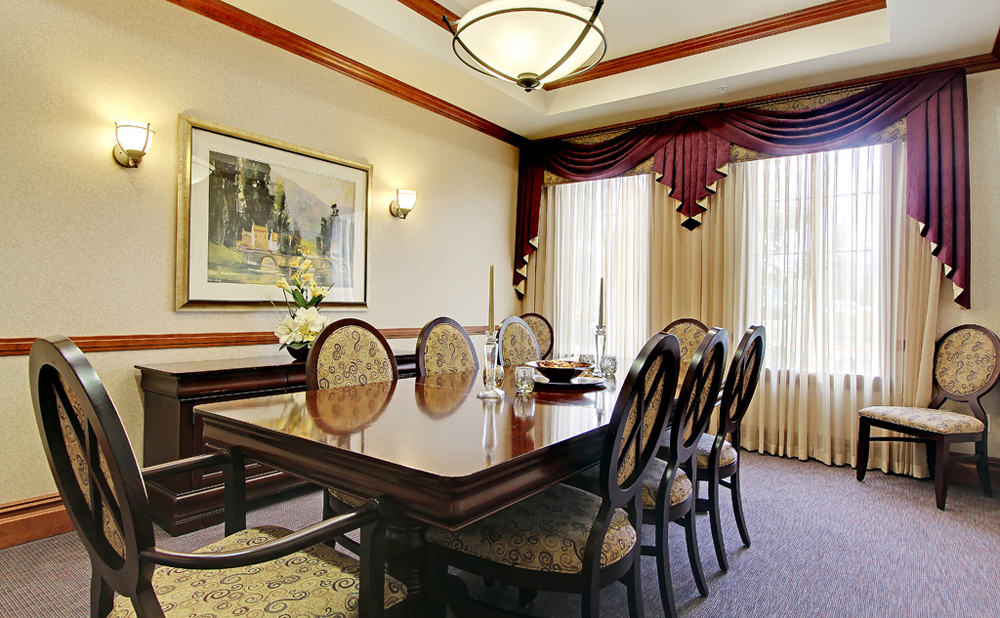 Private dining at senior living in Kent