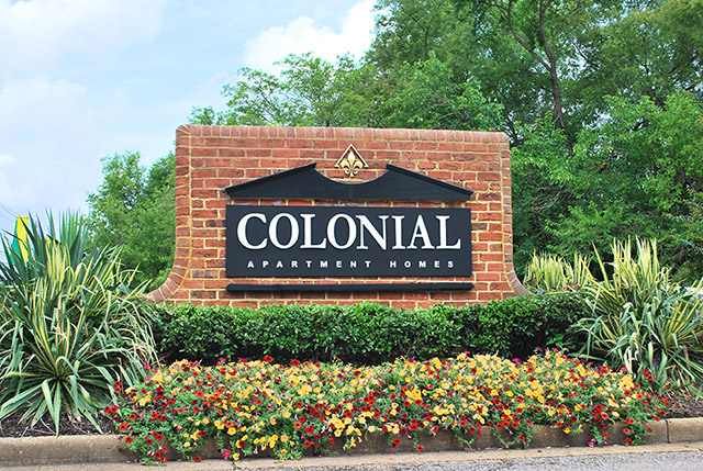 Colonial Apartments in Richmond