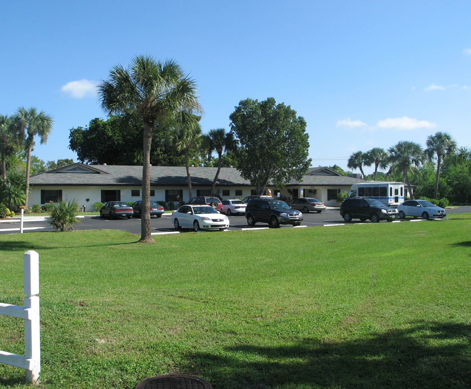 Senior living in Fort Myers exterior
