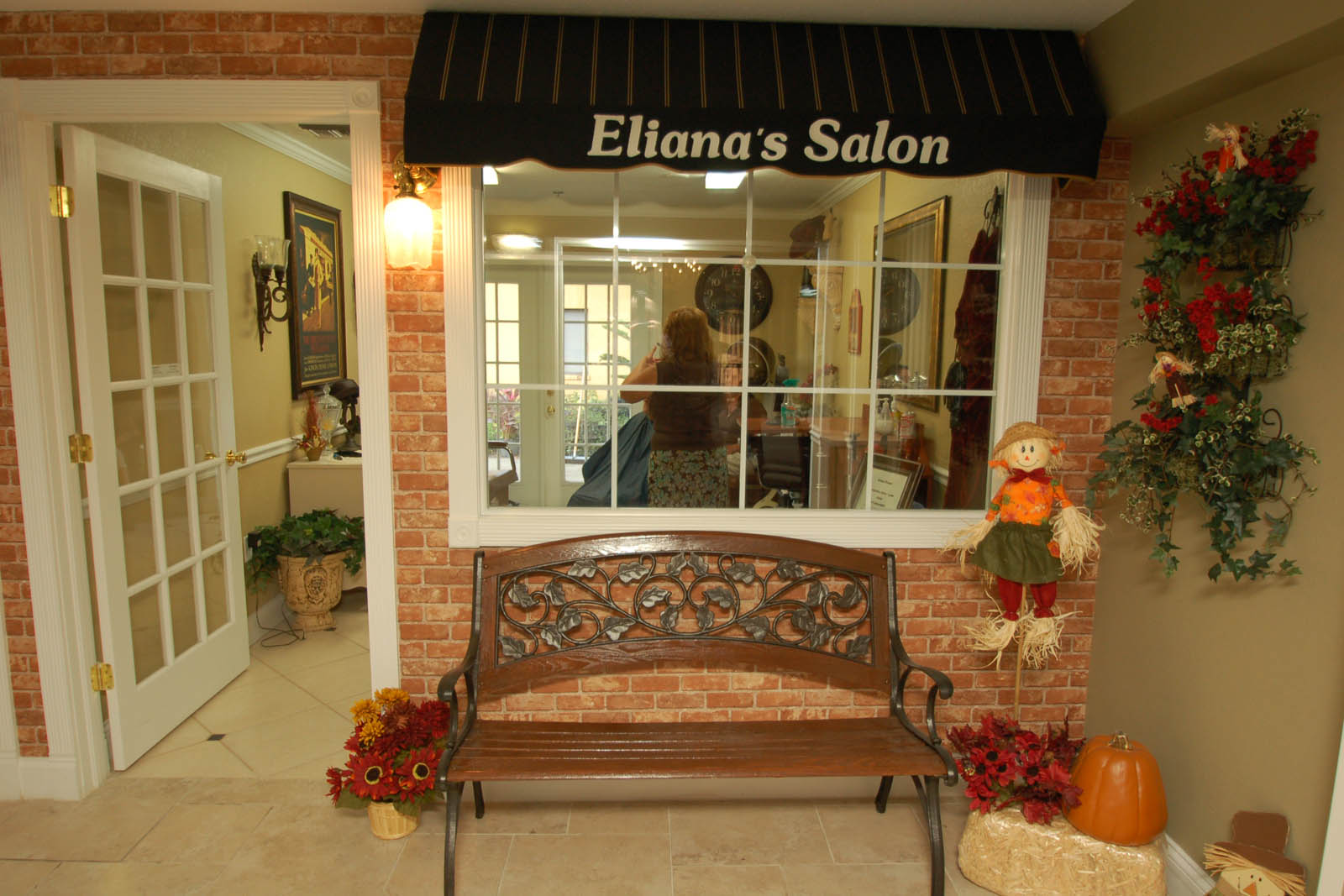 Senior living in Altamonte Springs has a beauty salon