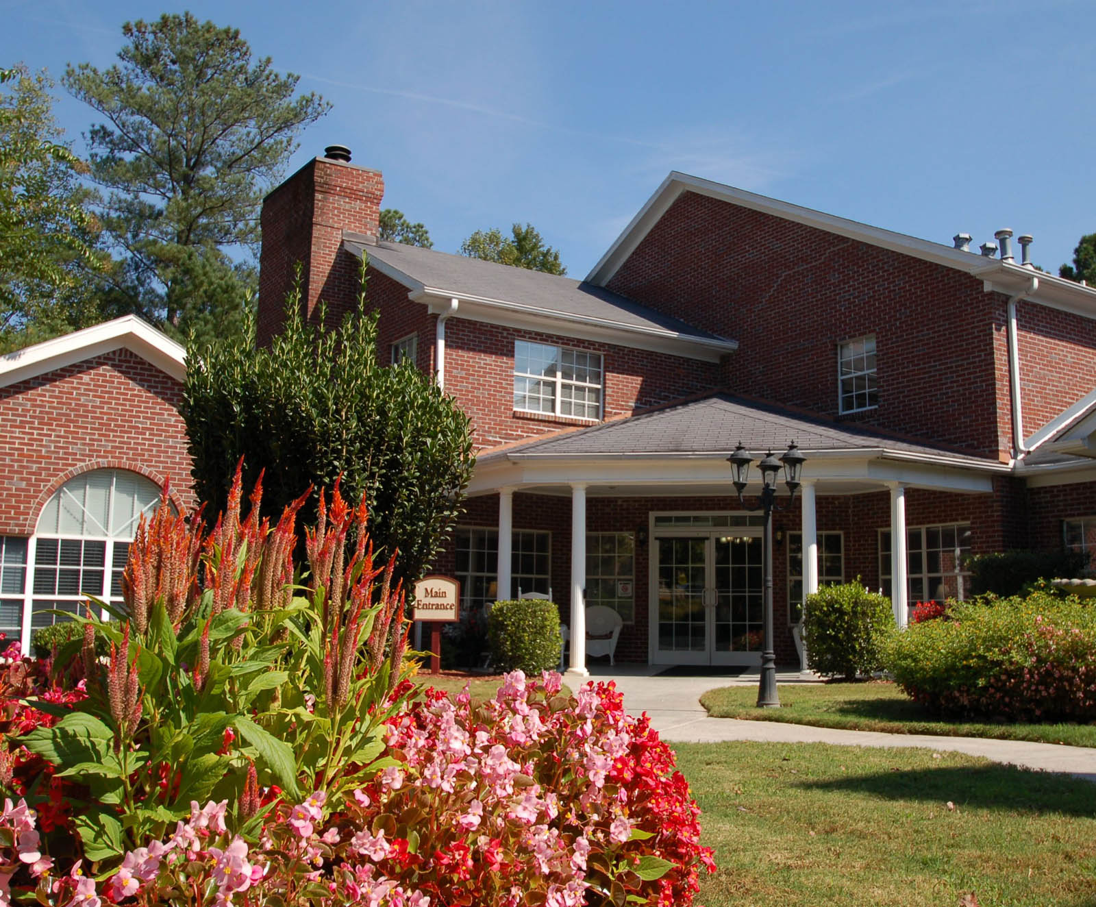Exterior of Duluth senior living