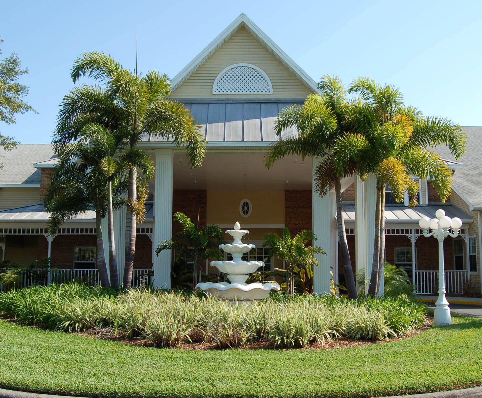 Exterior of senior living in Largo