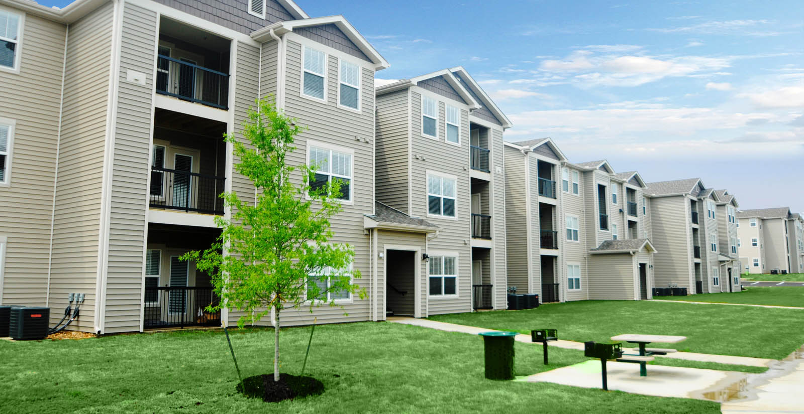 South jonesboro apartments willow creek apartment homes for Home builders jonesboro ar