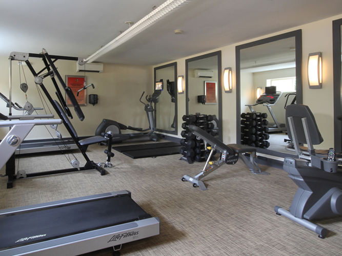 Apartments in Fairfax with a fitness center