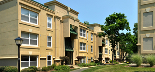 Upscale apartments in herndon