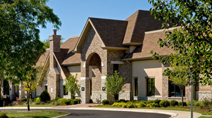 View floor plans and check the availability of our apartments in Schaumburg, IL.