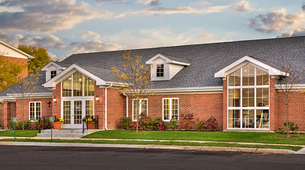 View floor plans and check the availability of our apartments in Carol Stream, IL.