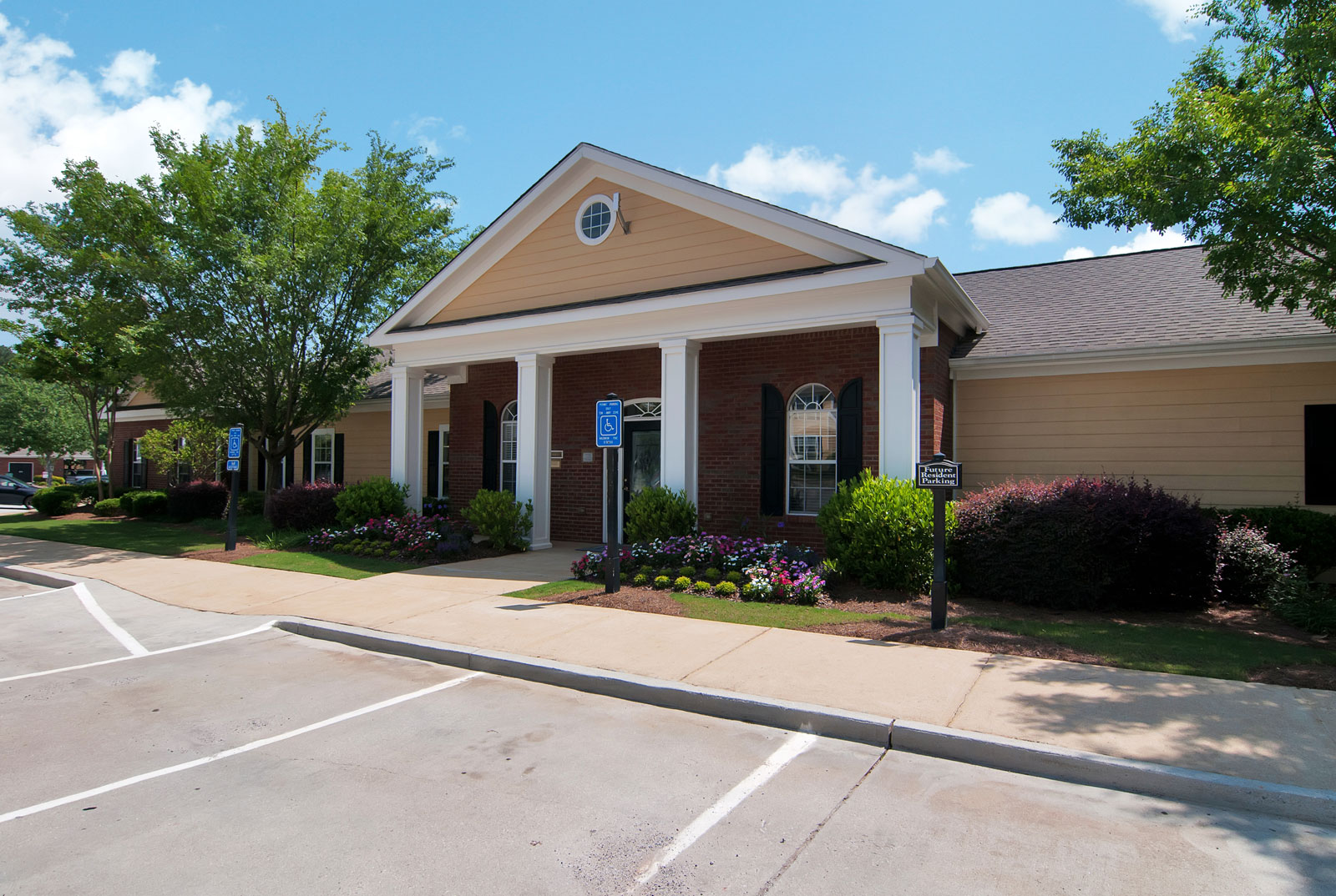 Leasing center for apartments in Dallas