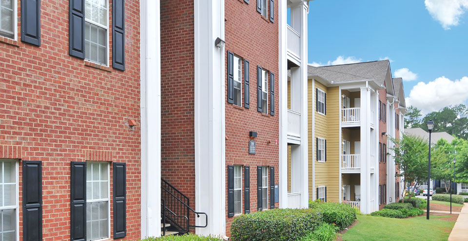 Brick exterior of apartments in Kennesaw