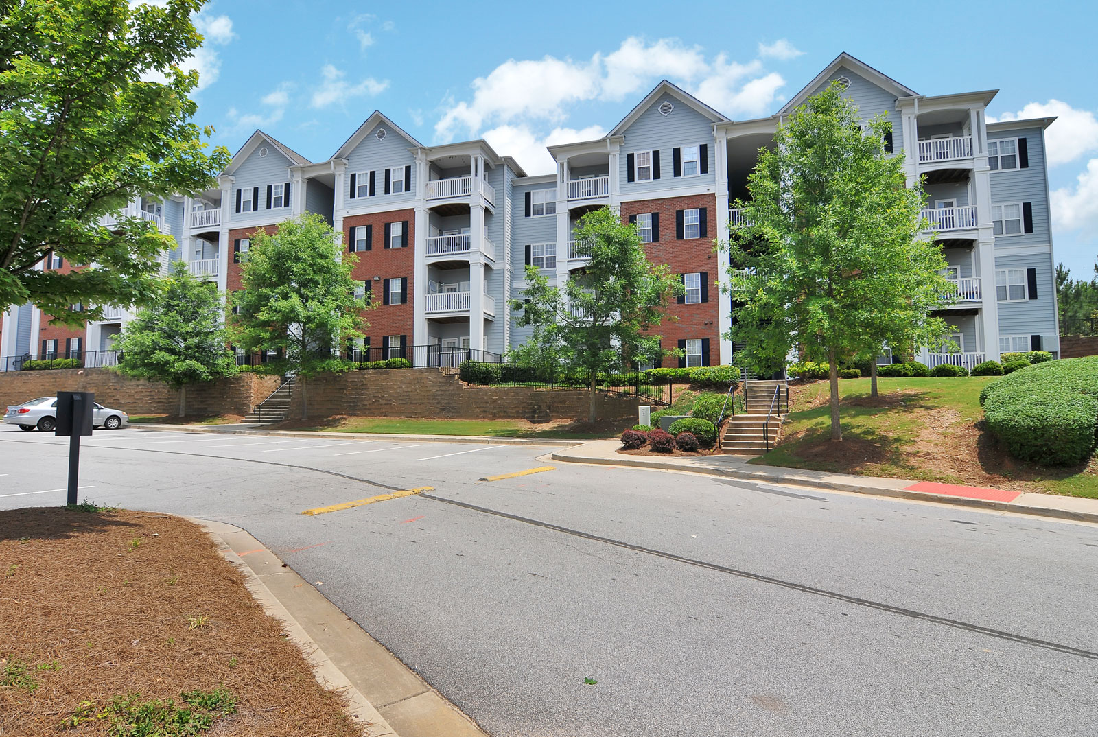 Buford apartments lush landscape