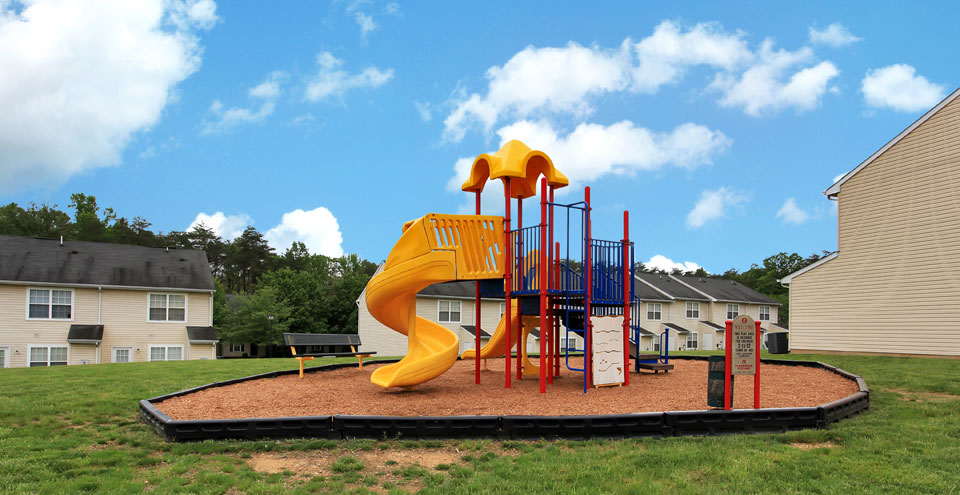 Apartments in Fredericksburg with a playground