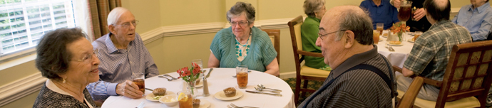 Fine dining at Raleigh senior living