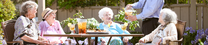 Fine dining at senior living in Los Altos