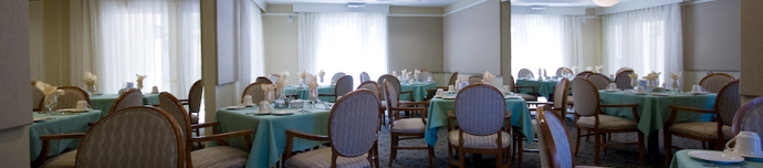 Dining room at senior living in San Diego