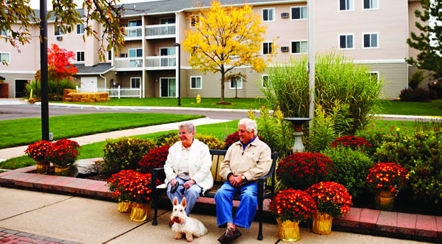 Assisted living couple enjoys southfield