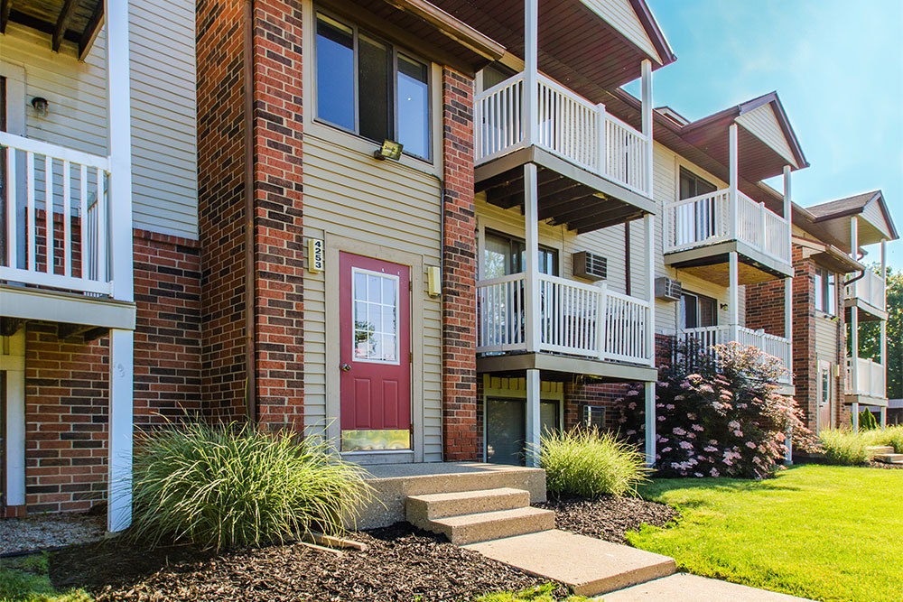 Kentwood apartments private patios and balconies