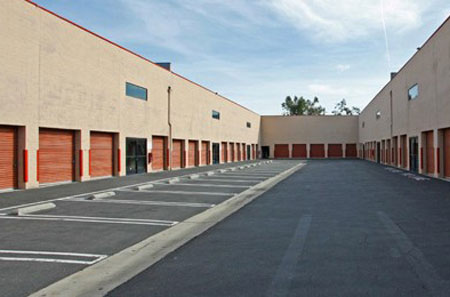 Wide driveways at westlake village self storage