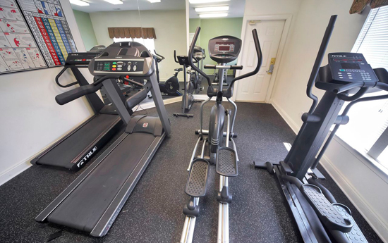 Fitness center at apartments in Chester VA