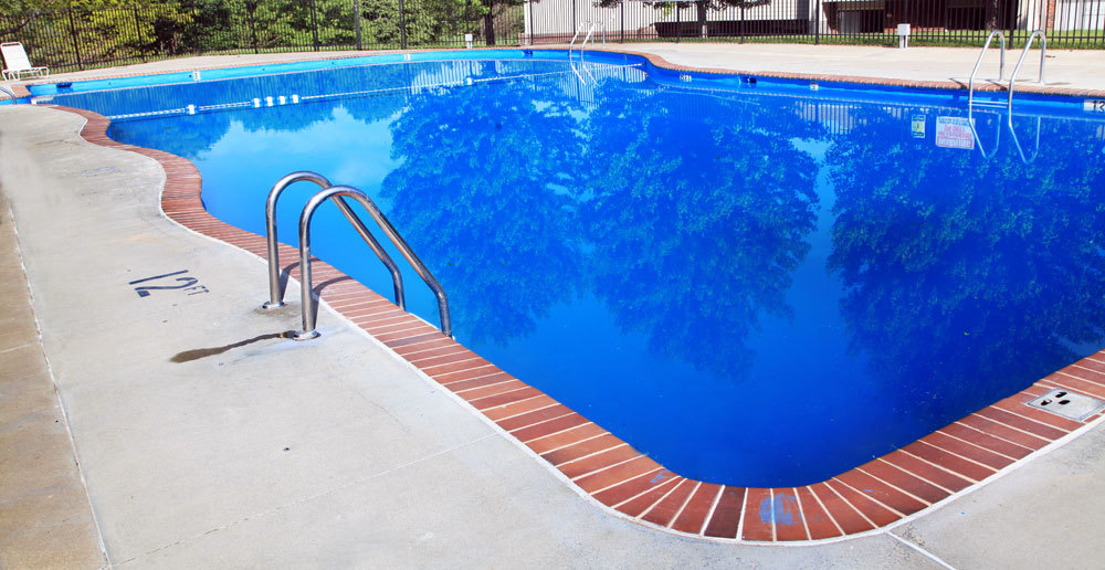 Sparkling pool at townhomes in Omaha