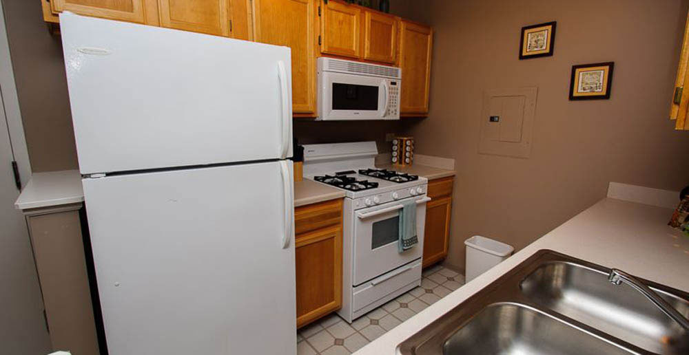 Fully equipped kitchens waukegan apartments