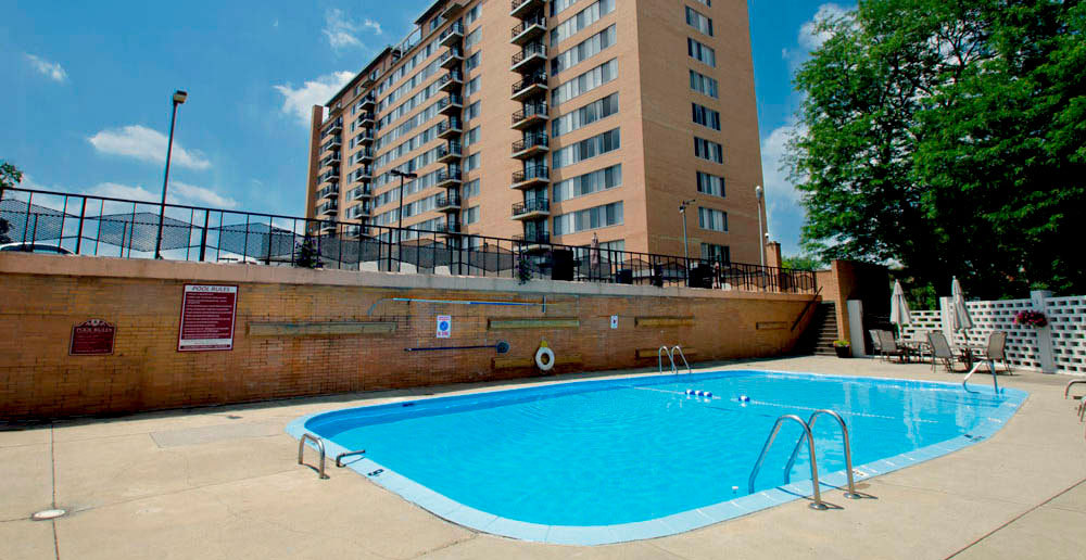 Apartments in toledo swimming pool