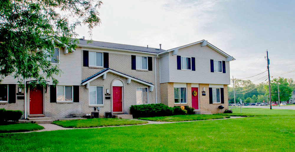 Exterior townhomes in romulus