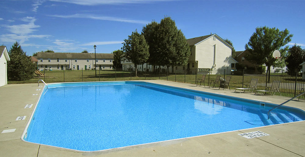 Swimming pool columbus townhomes