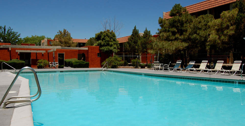 Albuquerque apartments swimming pool