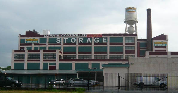 Self storage in Brooklyn exterior