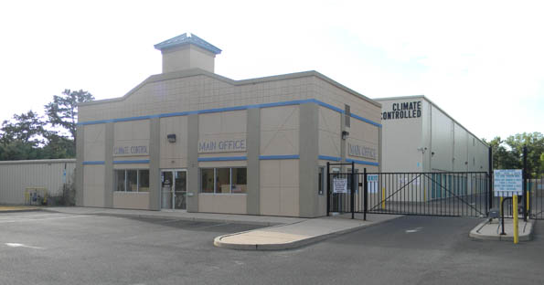 Exterior self storage in Lakewood