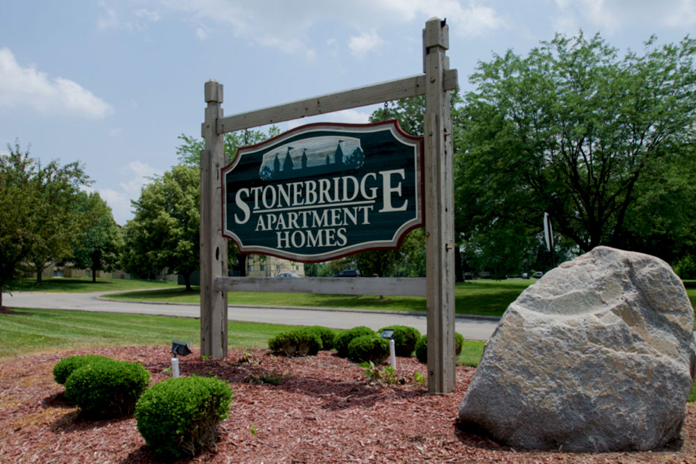 Stonebridge sign at apartments in dayton