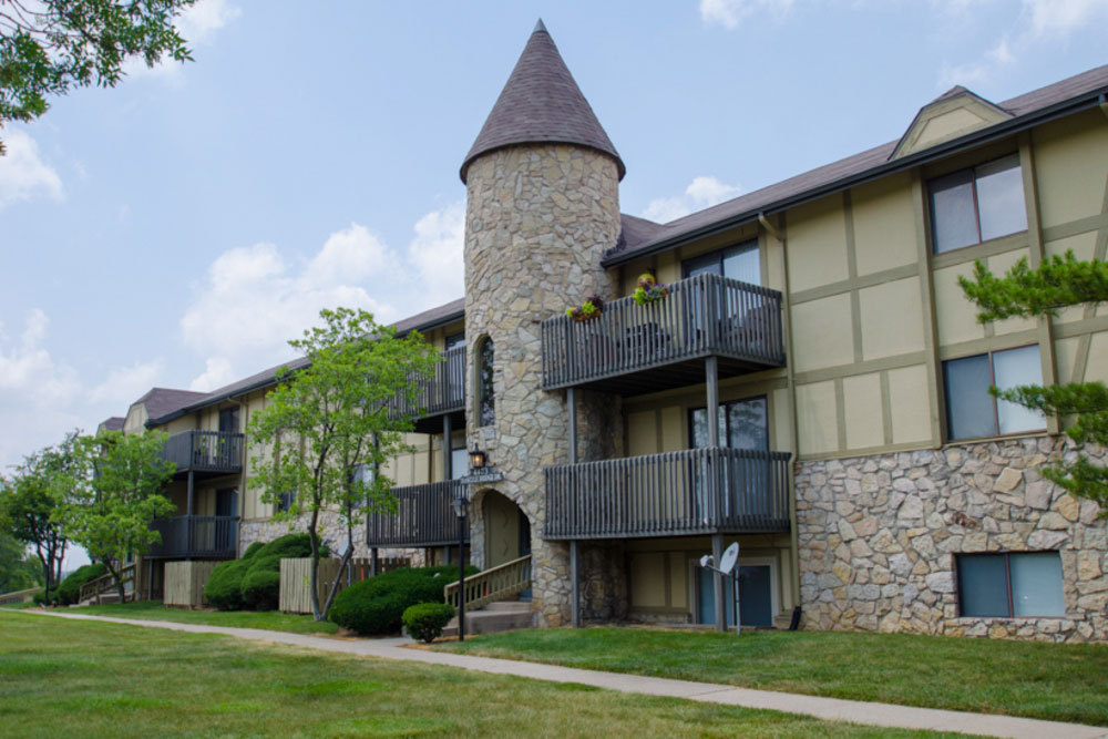 Balconies at apartments in dayton 1