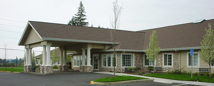 Beautiful exterior of senior living in Tualatin