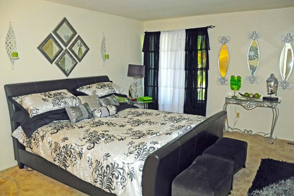 Ferguson MO Townhomes have beautiful bedrooms
