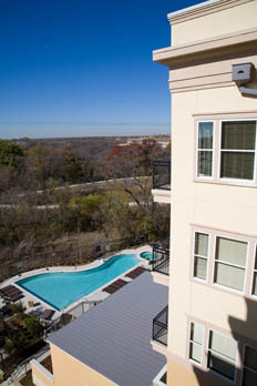 Enjoy a variety of amenities at apartments in Allen