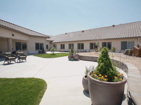 Lush landscaping at Albuquerque assisted living