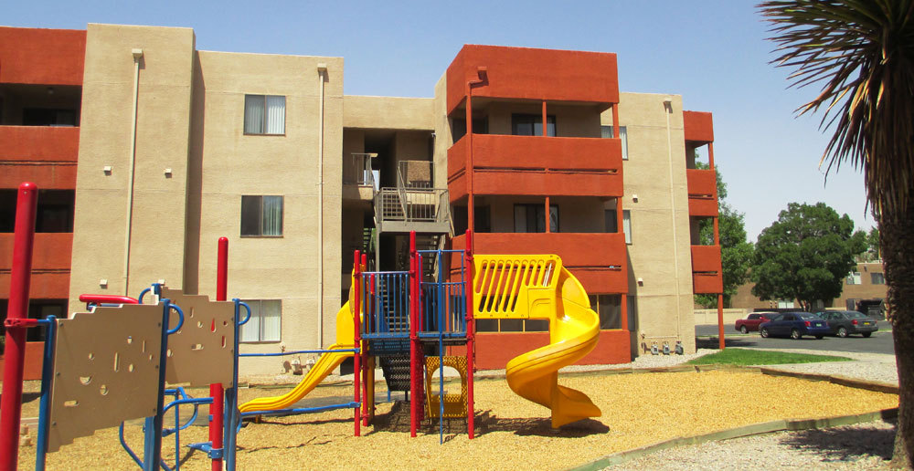 Northwest albuquerque apartments playground