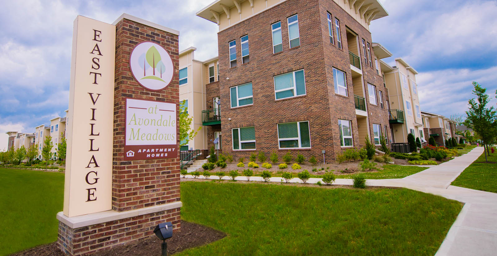 Indianapolis apartments entrance sign