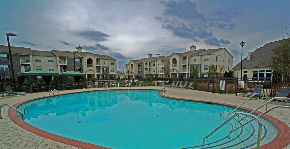 Swimming pool at Murfreesboro apartments TN
