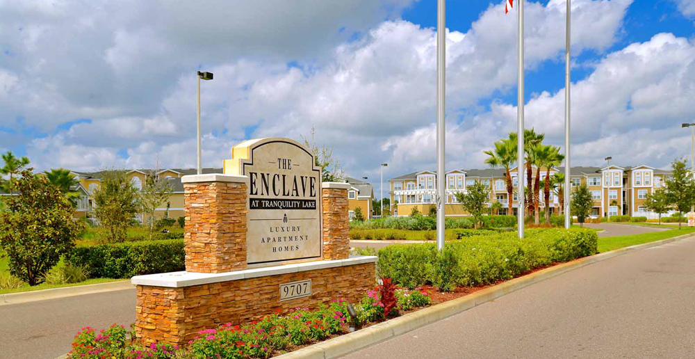Entrance sign at Riverview apartments FL