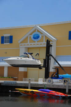 Aquamarina Hidden Harbour offers a variety of services at their Pompano Beach boat yard