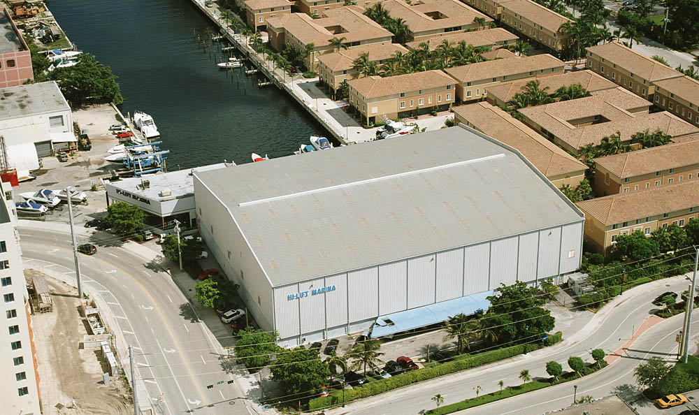 Aerial view of Aventura FL marina