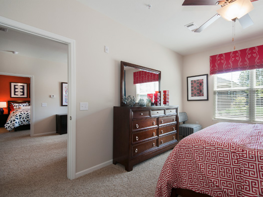 Hurstbourne bedroom2