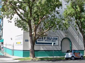 Sacramento self storage exterior