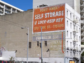 San francisco self storage exterior