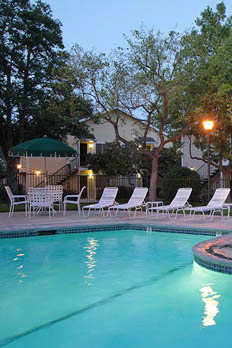 Enjoy a variety of amenities at apartments in Gilroy