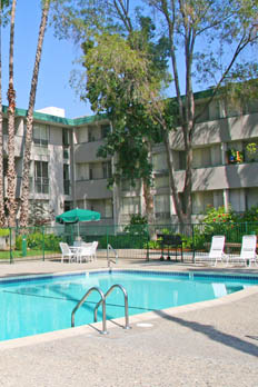 Enjoy a variety of amenities at apartments in Mountain View